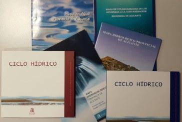 Entrega gratuita de publicaciones en Ciclo Hídrico por Sant Jordi